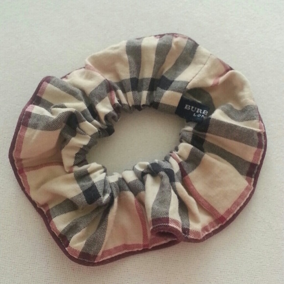 Burberry Accessories - burberry hair scrunchy scrunchie nova check plaid 084ddbc804f