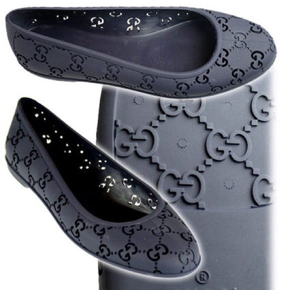 09b7aa0a3ffe Gucci Shoes - Gucci Black GG Logo Jelly Ballerina Flats