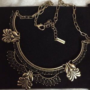 Brand New Jewelmint black and gold necklace