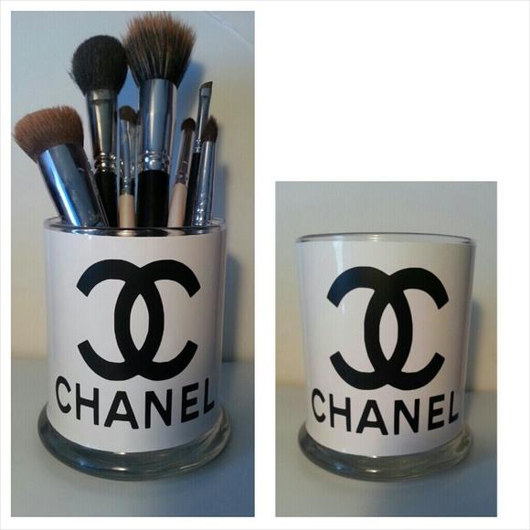 ffcabdcd1b Makeup brush holder