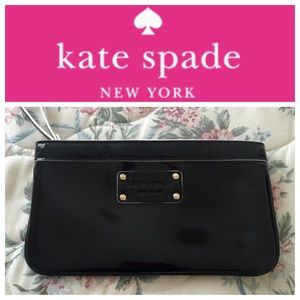 NWOT Kate Spade Black and White Wristlet Clutch