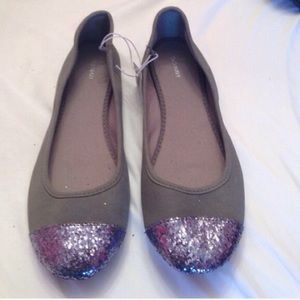 Old Navy Shoes - Grey Glitter toed flats 🆕 never worn🆕