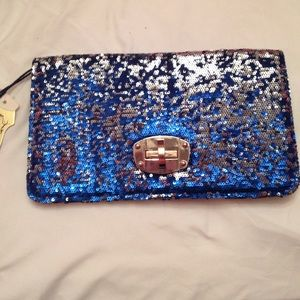 Clutches & Wallets - Blue and Gold Clutch w/detachable strap🎉Sale🎉