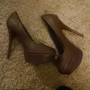 Brown qupid brand heels