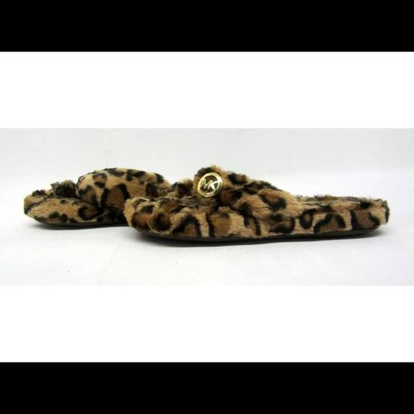 e901124e7ddd Michael Kors leopard flip flop fur slippers- NEW!