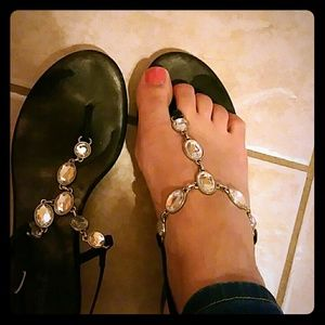 Sandals with stones