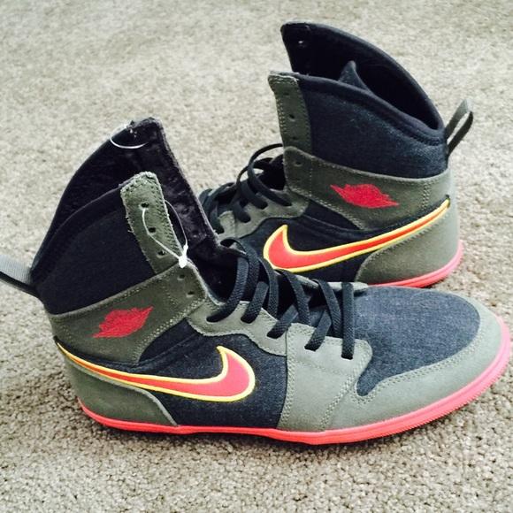 22e37179fa0f Nike air Jordan NWOT