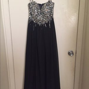 Dresses & Skirts - Super elegant prom dress💎💎💎