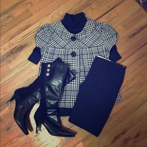 Small NYC Boutique Jackets & Blazers - Short Sleeve Houndstooth Cape