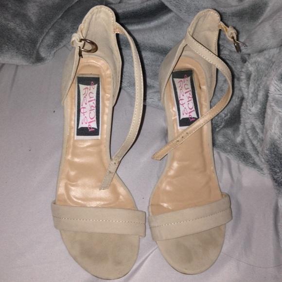 2d1b6faa68ae Easy pickins Shoes - Low open toe heels