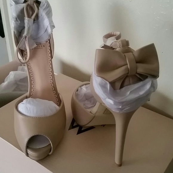 618f70dc98c Super Cute Peep Toe Nude Heel w  Ankle Strap   Bow