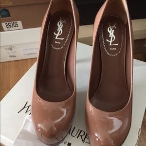 YSL Nude patent pump