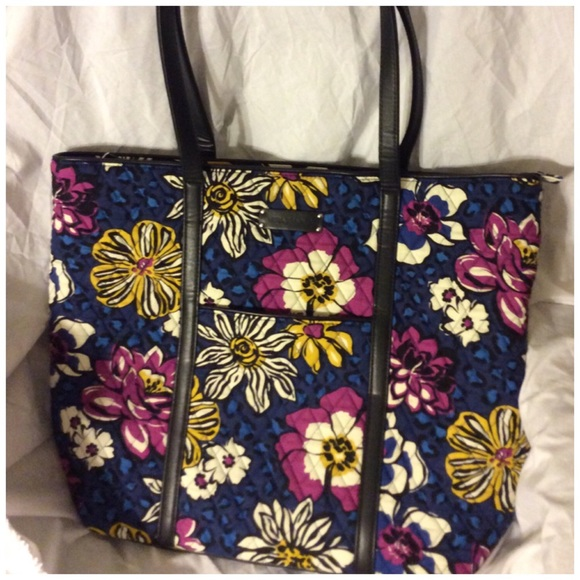 EUC Vera Bradley African Violet Trimmed Vera Tote.  M 54fcca9aea3f366c2a015106. Other Bags you may like. Woman s Vera Bradley  bag ... 0098c9443b7bd
