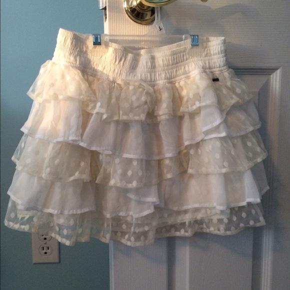 1cb364be9 Hollister Skirts   White Ruffle Skirt   Poshmark