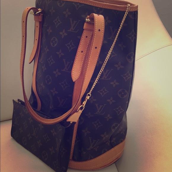 Louis Vuitton Monogram Bucket Gm Shoulder Bag iweMAsH