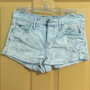Hollister (3) High Waisted light denim shorts