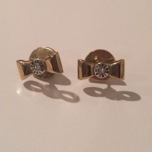 henri bendel Jewelry - Henri Bendel bow stud earrings