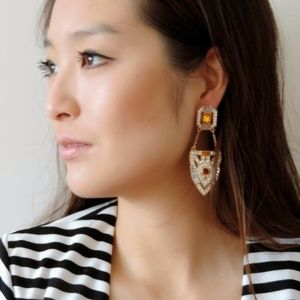 Jewelry - Stunning statement earrings