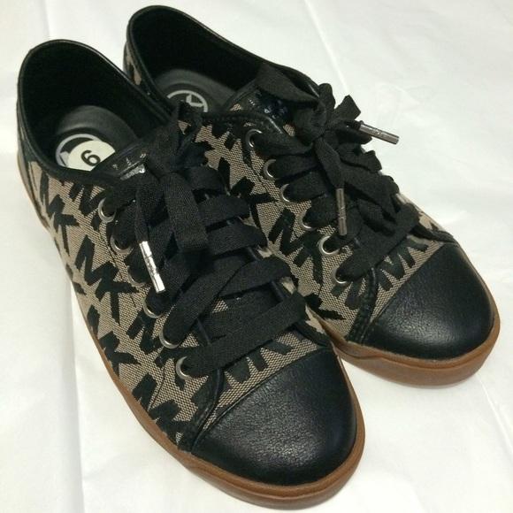 a7026222ecc1 Black Michael Kors tennis shoes. M 54fd5718713fde259f01804a