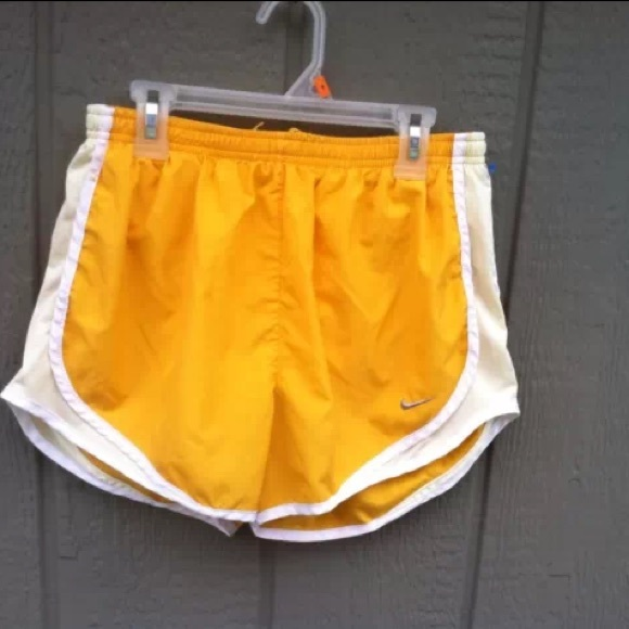 044dd97b475e Mustard yellow Nike shorts! M 54fdc1022ba50a2cc200d2e6
