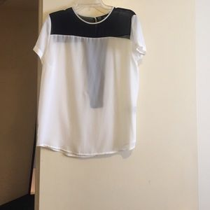 Tops - Chiffon black and white top