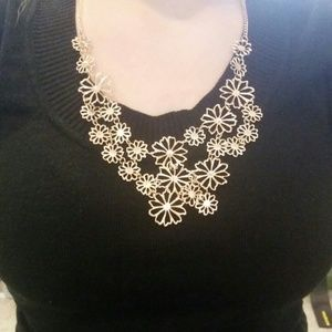 Gold flowers with rhinestones necklace
