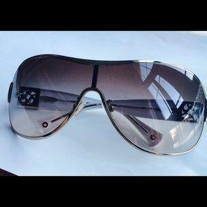 355cc77a68 Coach Other - COACH REAGAN HC7005B sunglasses