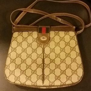 Vintage Gucci Crossbody ( Authentic )