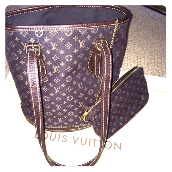 ce715faa410 Louis Vuitton Handbags - Louis Vuitton Mini Lin Bucket PM