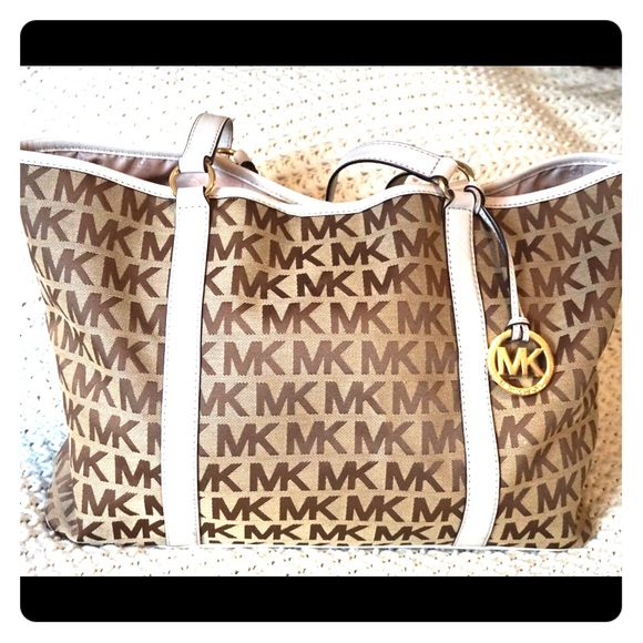 AUTHENTIC Michael Kors MK Logo Summer XL Tote Bag.  M 55058efdea3f3614de00862c 3b25eef068394