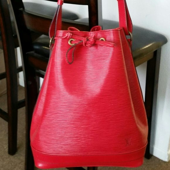 57f03482d73a Louis Vuitton Handbags - Auth. LOUIS VUITTON Epi Leather Red Noe Bucket Bag
