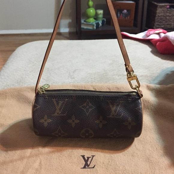 78cc8e0b130d7 Louis Vuitton Handbags - Authentic Louis Vuitton mini Papillon Pochette