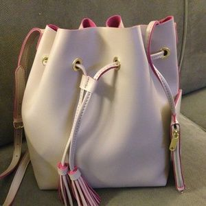 Steve Madden Handbags - Steve Madden drawstring Bucket Bag