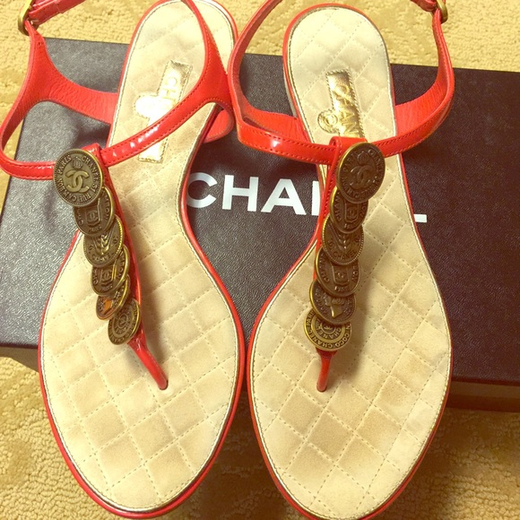 e50573150b0 Chanel coin CC thong sandals in red!!!