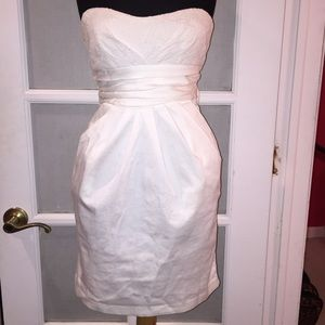 Dresses & Skirts - White Strapless Mini Dress w/Bow Sz 5