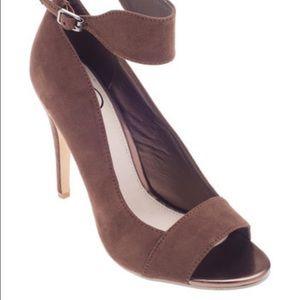 Shoes - New Beverly Mills Brown Peep-Toe pump