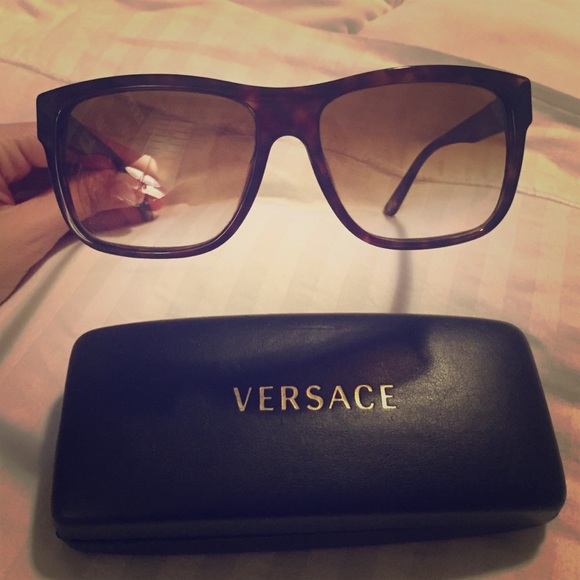 f99aa9f8d522 REDUCED Versace VE4179 Tortoise Brown Sunglasses. M 54ffbc3f56b2d6718d007055