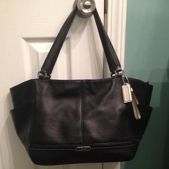 Coach Handbags - COACH F23284 PARK LEATHER CARRIE TOTE- Black 0eab363d7b825