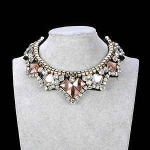 Bling bib collar necklace