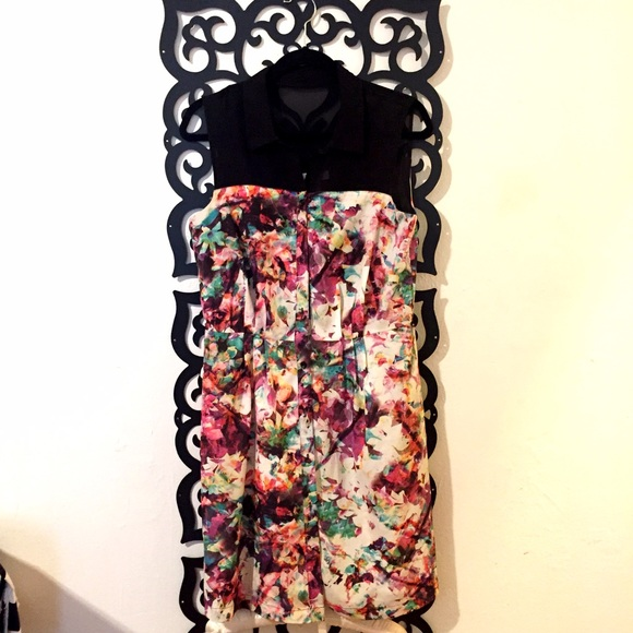 Ivy & Blue Dresses & Skirts - kaleidoscope Print Dress