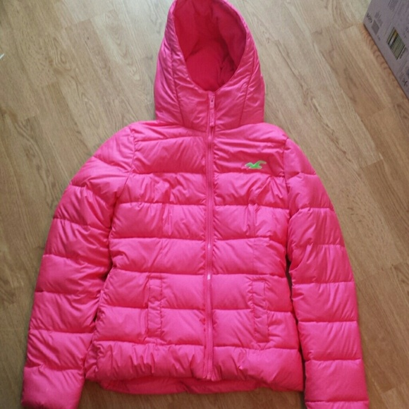 ce9a8637e Women's Hollister puffer jacket NWT