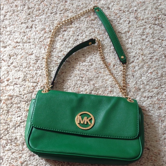 4ca5436392 Michael Kors Kelly Green Chain Strap Bag. M 5500a4122fd0b7190100909b