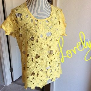 SALE !🌻🌻Gorgeous yellow Spring Blouse by IT GIRL
