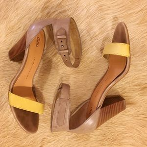 GAP Shoes - [Gap]color block sandals