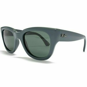 Brand New Ray Ban Green Matte Butterfly Sunglasses