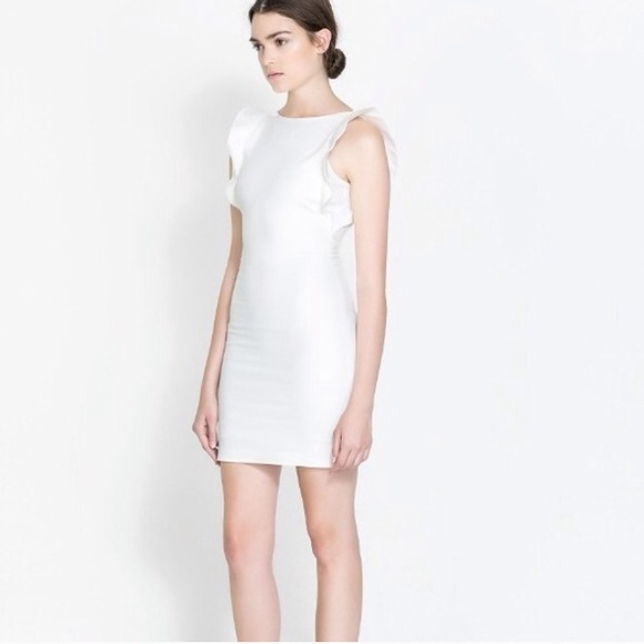 Zara Dresses - Zara white riffle dress size M