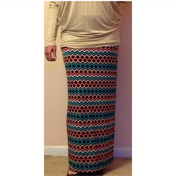 trendy maxi skirt with geometric pattern nwot 1x from