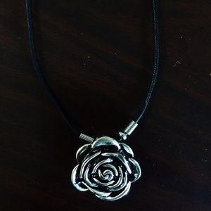 Jewelry - NWOT Black Rose Necklace
