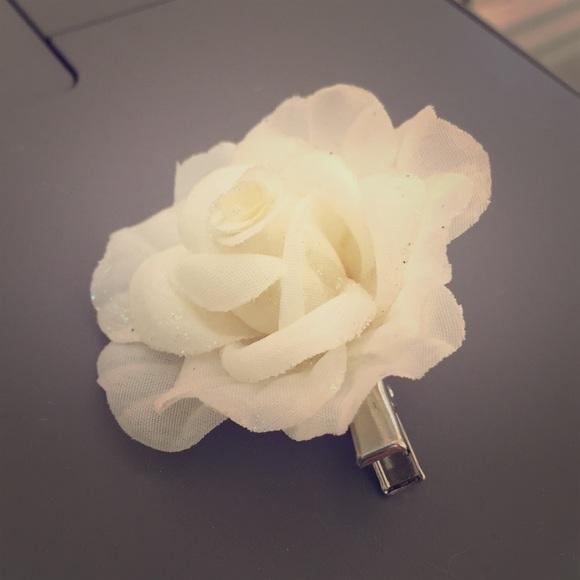 Forever 21 Accessories White Rose Hair Clip Poshmark