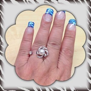 Jewelry - 🎄Very Cute Silver Tone Fashion Ring.